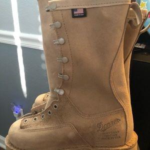 Danner Boots Womens 6